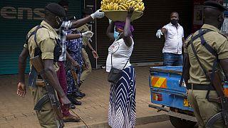 Ouganda : des centaines d'arrestations pour non-respect des mesures restrictives