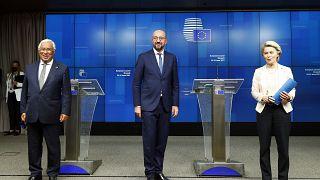 القادة الأوروبيون خلال قمة في بروكسل
