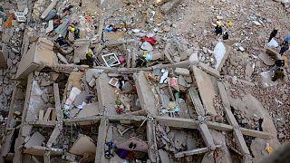 صورة أرشيفية لانهيار أحد العقارات في مصر