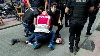 Taksim'de gözaltına alınan AFP muhabiri