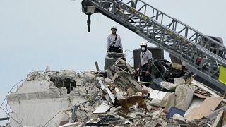 Balanço de colapso de Miami passa para 5 mortos e 156 desaparecidos