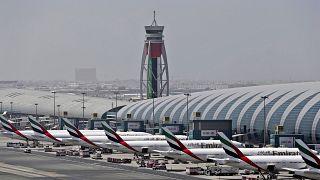 صورة لطائرات في مطار دبي
