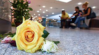 Emotivo homenaje a las víctimas del asesinato en las calles de Wurzburgo