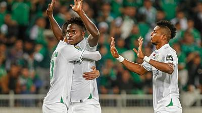 CAF : la JS Kabylie affrontera le Raja Casablanca en finale