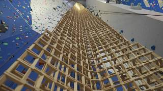 Record-breaking tower out of Kapla blocks