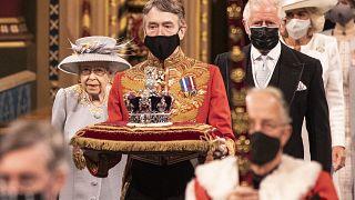 Королева Елизавета II перед выступлением в Палате лордов, 11 мая 2021 года