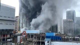 Incêndio no sul de Londres interrompe trânsito ferroviário