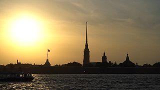 Λευκές Νύχτες και πορφυρά πανιά: Η μαγεία της Αγίας Πετρούπολης το καλοκαίρι