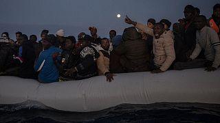 مهاجران در قایق