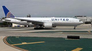 طائرة تابعة لشركة يونايتد إيرلاينز في مطار لوس أنجلوس الدولي، 27 سبتمبر 2019