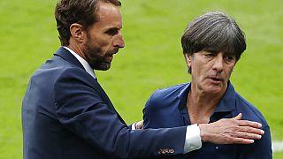 Gareth Southgate,der Coach von England, mit Jogi Löw