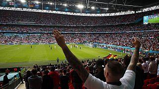 Englands Fans im Wembley-Stadion