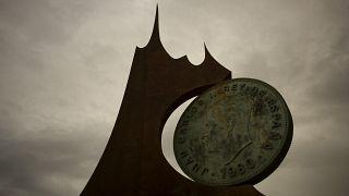 Памятник песете в Фуэнхироле