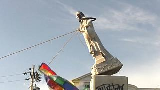 Colombia: protesters topple statue of Christopher Columbus