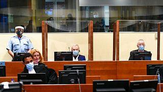 حضور یوویتسا استانیسیچ و فرانکو سیماتوویچ در جلسه قرائت حکم دادگاه لاهه