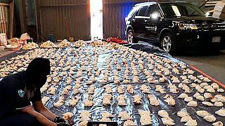 إحباط محاولة تهريب أكثر من 5 ملايين حبوب من المخدرات الأمفيتامين المعروفة باسم كبتاجون، في ميناء جدة في المملكة العربية السعودية.