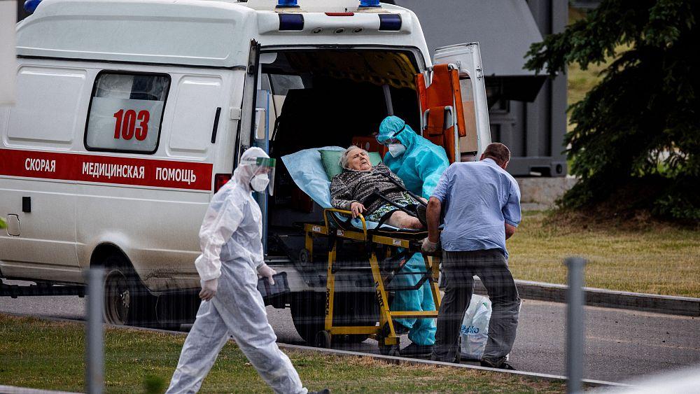ارتفاع عدد الإصابات بكورونا في أوروبا بعد تراجعها 70 يوما.. وروسيا تسجل  أعداد وفيات قياسية | Euronews
