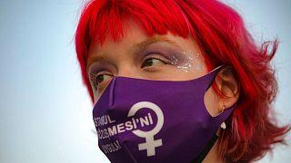 تظاهرات در ترکیه علیه تصمیم دولت به خروج از کنوانسیون منع خشونت علیه زنان