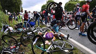 برخورد شدید دوچرخهسواران در تور دو فرانس