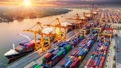 One company specialises in using artificial intelligence to improve vessel performance monitoring and optimisation in the shipping industry.