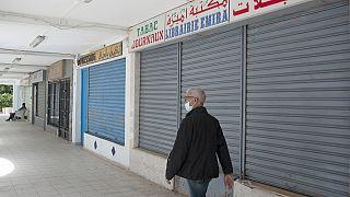 Covid-19 : le Grand Tunis en confinement partiel, record de décès