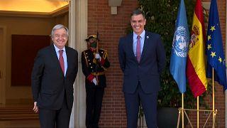 El secretario general de la ONU Antonio Guterres junto al presidente  español Pedro Sánchez en La Moncloa.