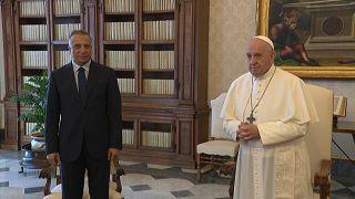 رئيس الوزراء العراقي مصطفى الكاظمي يلتقي البابا فرنسيس