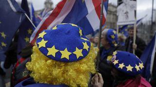 أكثر من 5 ملايين مواطن من الاتحاد الأوروبي حصلوا على حق الإقامة في بريطانيا