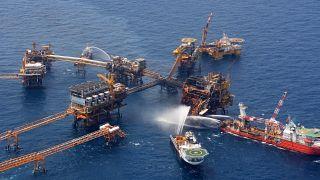 Pemex petrol platformunda yangın (ARŞİV)