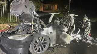 یک دستگاه مدل جدید خودروی تسلا آتش گرفت