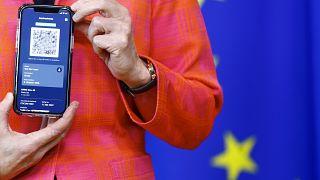 Kommissionspräsidentin Ursula von der Leyen präsentierte das digitales Impfzertifikat der EU am 16. Juni.