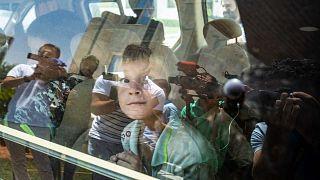 صور للأيتام الروس المولودين لأبوين مرتبطين بتنظيم الدولة الإسلامية، في مدينة القامشلي شمال شرق سوريا، 3 يوليو/تموز 2021
