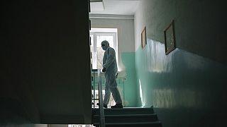 Ukrayna'da Covid-19 hastalarının tedavi gördüğü hastane (Arşiv)