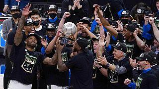 Milwaukee Bucks atingem final da NBA