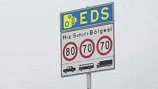 EDS sistemleri trafik cezalarını otomatik olarak keserek sisteme işliyor.