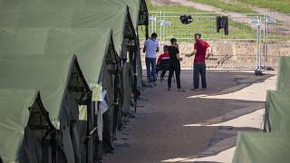 Временный лагерь для мигрантов в Пабраде