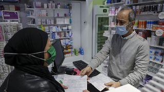 Lübnan'da eczanelerde ithal ilaç sıkıntısı yaşanıyor