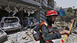 Pakistan, Lahor'da düzenlenen ve 3 kişinin ölümüne yol açan bombalı saldırının arkasında Hindistan olduğunu iddia etti.