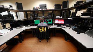ضابط في قسم الأمن السيبراني بمكتب التحقيقات الفيدرالية الأمريكية بمدينة نيو أورلينز بولاية أريزونا