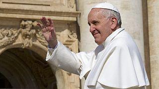 Папа римский проведет в больнице неделю