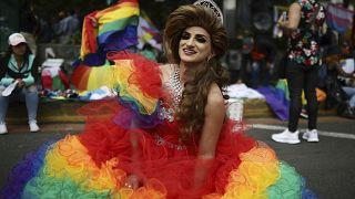 Bogotà: un murales per difendere i diritti della comunità LGBT