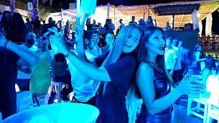 تأثير الأزمة الاقتصادية وفيروس كورونا على السياحة في لبنان