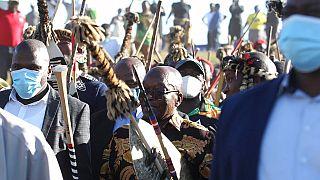 Zuma am Wochenende inmitten seiner Anhänger