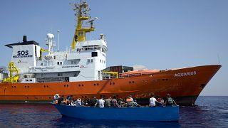 سفينة لإغاثة المهاجرين
