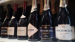 Lo champagne russo esposto in un supermercato di Mosca