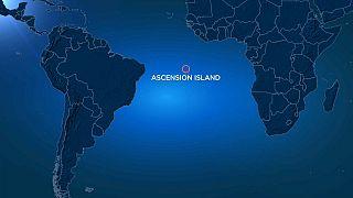 Menekültközpontokat tervez az óceán közepére a brit kormány