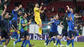 Радость итальянских футболистов