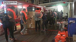 تصاویری از نجات ۳۶۹ پناهجو از خطر غرق شدن در دریای مدیترانه