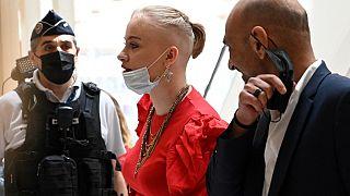 Mila, accompagnée de son avocat Richard Malka, à sa sortie du tribunal de Paris le 3 juin dernier