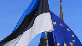 Флаги Эстоии и Евросоюза.